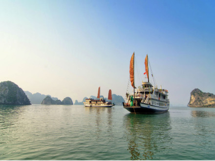 Dragon Pearl Junk in Halong Bay