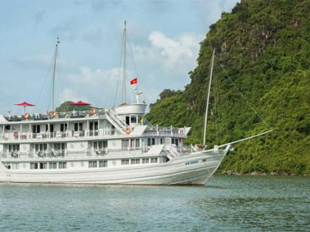 Paradise Prestige Cruise in Halong Bay