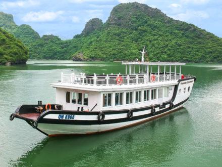 Paradise Explorer Day Cruise in Halong Bay